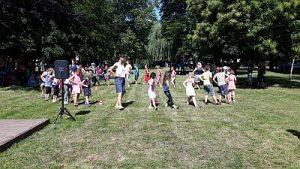 1. gemeinsames buntes Fest des SZ Neutrebbin Tanz Annemarie GS HP