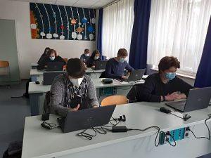 Klasse 9 arbeitet digital Foto Torsten Pohl HP